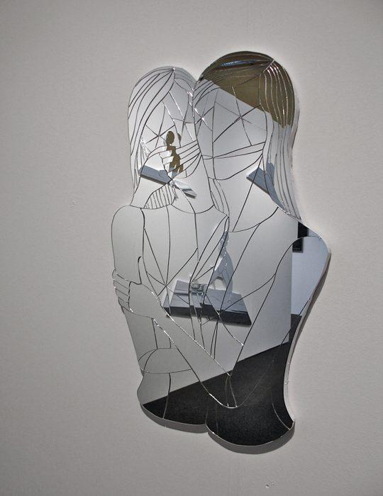 Mariana Vassileva / 2008 / geschwister / Mirror glass / 80x40cm
